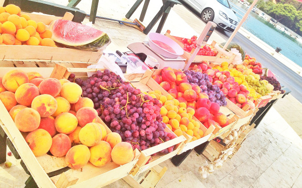 Local fruit stand at the Gruž Market